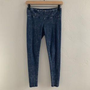 Aritzia Talula Blue Acid Wash Leggings S